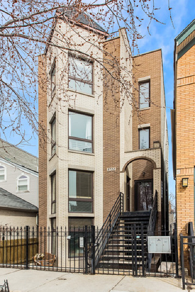 Wicker Park, Bucktown Condo/Townhouse For Sale: 1722 West Beach Avenue #2