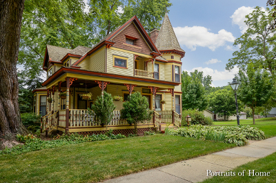 West Chicago Single Family Home For Sale: 223 East Grand Lake Boulevard
