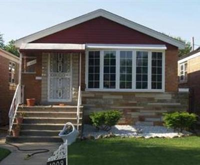 Chicago IL Single Family Home For Sale: $125,000