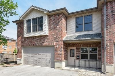 Brookfield Condo/Townhouse For Sale: 4642 Custer Avenue