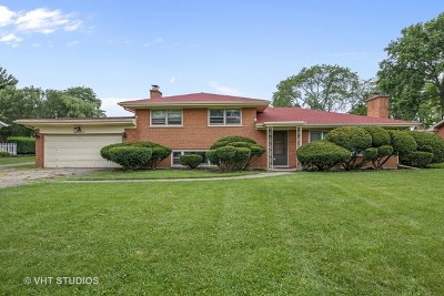 Downers Grove Single Family Home For Sale: 5520 Katrine Avenue