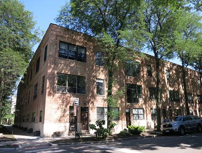Condo/Townhouse For Sale: 2255 North Wayne Avenue #C1
