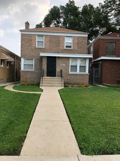South Shore Gardens Single Family Home For Sale: 8855 South Crandon Avenue