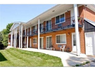 Villa Park Condo/Townhouse For Sale: 327 North Princeton Avenue #5