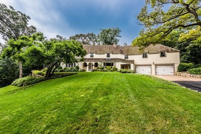 McHenry Single Family Home For Sale: 1610 Cassandra Lane