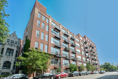 Condo/Townhouse For Sale: 1500 West Monroe Street #722