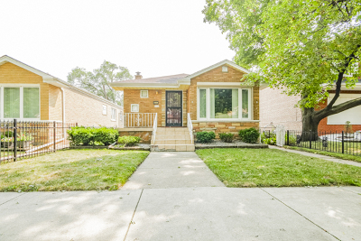 Chicago IL Single Family Home New: $124,995
