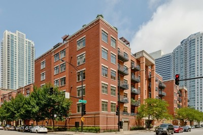 Condo/Townhouse For Sale: 560 West Fulton Street #506