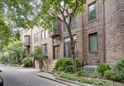 Berwyn, Brookfield, Chicago, Cicero, La Grange, La Grange Park, North Riverside, Oak Lawn, Riverside, Westchester Condo/Townhouse New: 220 West Concord Lane