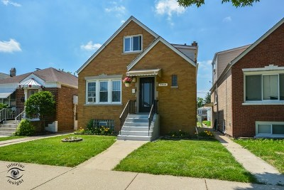 Chicago IL Single Family Home For Sale: $287,000