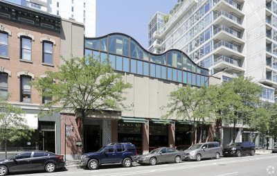 Commercial For Sale: 512 North Wells Street