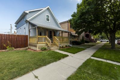 Blue Island  Single Family Home For Sale: 12251 Maple Avenue
