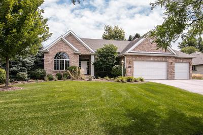 Rockford Single Family Home For Sale: 637 Roxbury Road