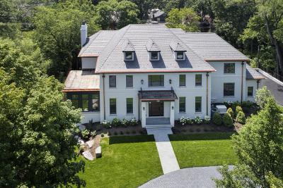 Glencoe Single Family Home For Sale: 854 Bluff Street