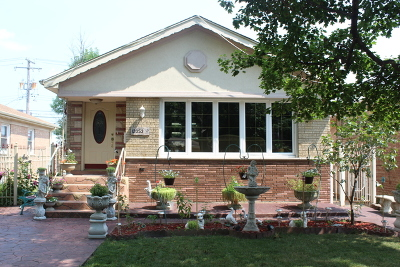 Blue Island  Single Family Home For Sale: 12053 Artesian Avenue