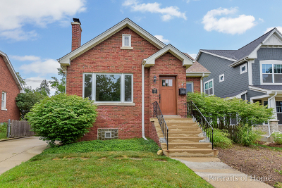 Downers Grove Single Family Home For Sale: 412 Gierz Street