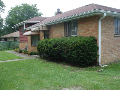 Addison Single Family Home Contingent: 3n244 Rohlwing Road
