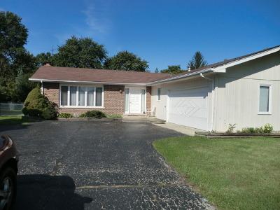 Darien Single Family Home For Sale: 6722 Clarendon Hills Road