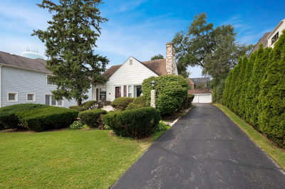 Clarendon Hills Single Family Home For Sale: 6 McIntosh Avenue