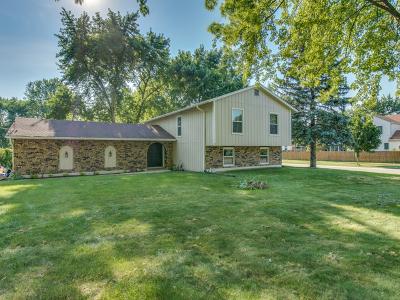 Warrenville Single Family Home For Sale: 2s164 Riverside Avenue