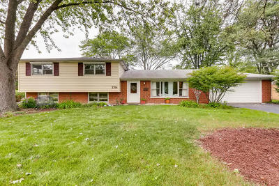 Glenview Single Family Home For Sale: 3754 Lindenwood Lane