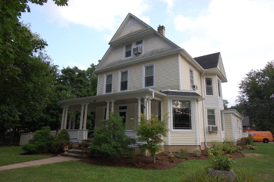 West Dundee Single Family Home Price Change: 317 Oregon Avenue