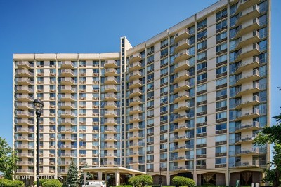 Oak Brook Condo/Townhouse For Sale: 40 North Tower Road #7D