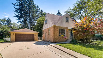 Wheaton Single Family Home For Sale: 819 Sunset Road
