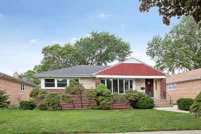 Niles Single Family Home For Sale: 8132 North Oconto Avenue