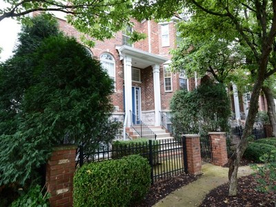 Naperville Condo/Townhouse For Sale: 703 Prescott Court #703
