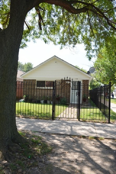 Single Family Home For Sale: 458 North Springfield Avenue