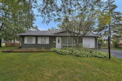 Glenview Single Family Home For Sale: 530 Hazelwood Lane