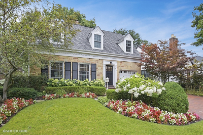 Arlington Heights Single Family Home For Sale: 514 South Beverly Lane
