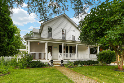 Batavia  Single Family Home For Sale: 241 North Lincoln Street