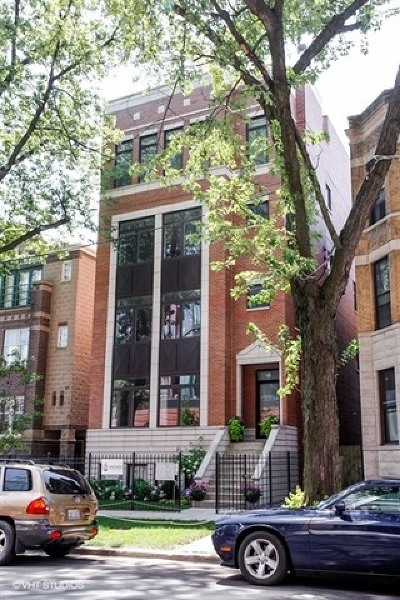 Condo/Townhouse For Sale: 929 West Altgeld Street #3