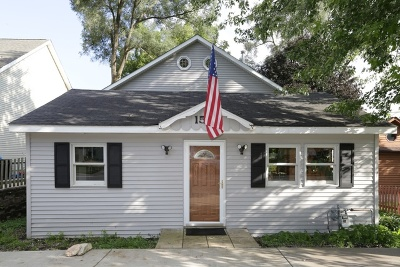 Algonquin Single Family Home For Sale: 1527 North Harrison Street