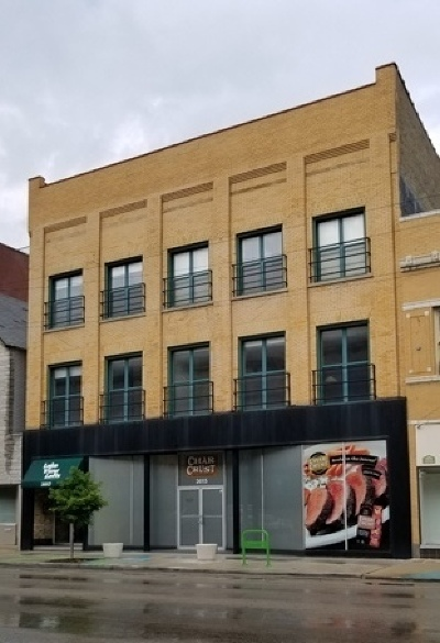 Commercial For Sale: 3015 North Lincoln Avenue