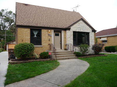 North Riverside Single Family Home For Sale: 2452 South 7th Avenue