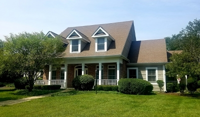 St. Charles Single Family Home For Sale: 39w928 North Robert Frost Circle