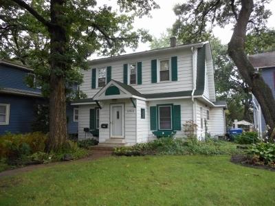 Blue Island  Single Family Home For Sale: 12910 Highland Avenue
