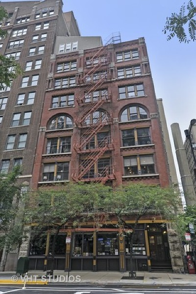Condo/Townhouse Contingent: 714 South Dearborn Street #3