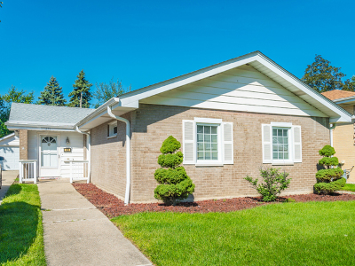 Westchester Single Family Home For Sale: 1436 Suffolk Avenue