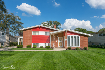 Glenview Single Family Home For Sale: 225 Valerie Court