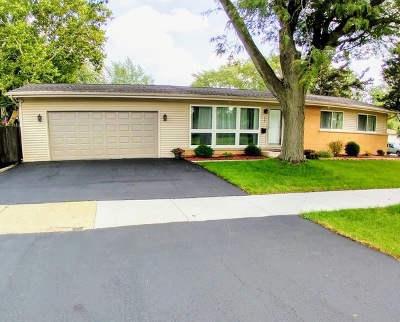 Mount Prospect Single Family Home For Sale: 717 North Wilshire Drive