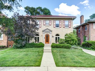 Oak Park Single Family Home For Sale: 1122 North Grove Avenue