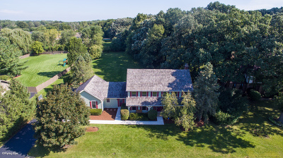 Single Family Home For Sale: 28w210 Cantigny Drive