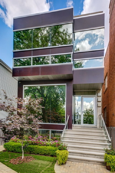 Single Family Home For Sale: 1928 West Wolfram Street