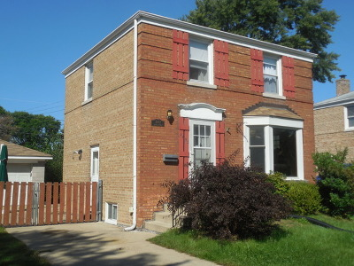 North Riverside Single Family Home For Sale: 2452 South 3rd Avenue