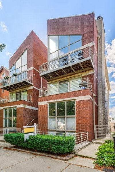 Condo/Townhouse For Sale: 854 North Marshfield Avenue #1S