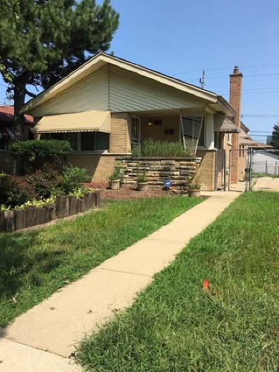 Dolton  Single Family Home For Sale: 14231 Avalon Avenue